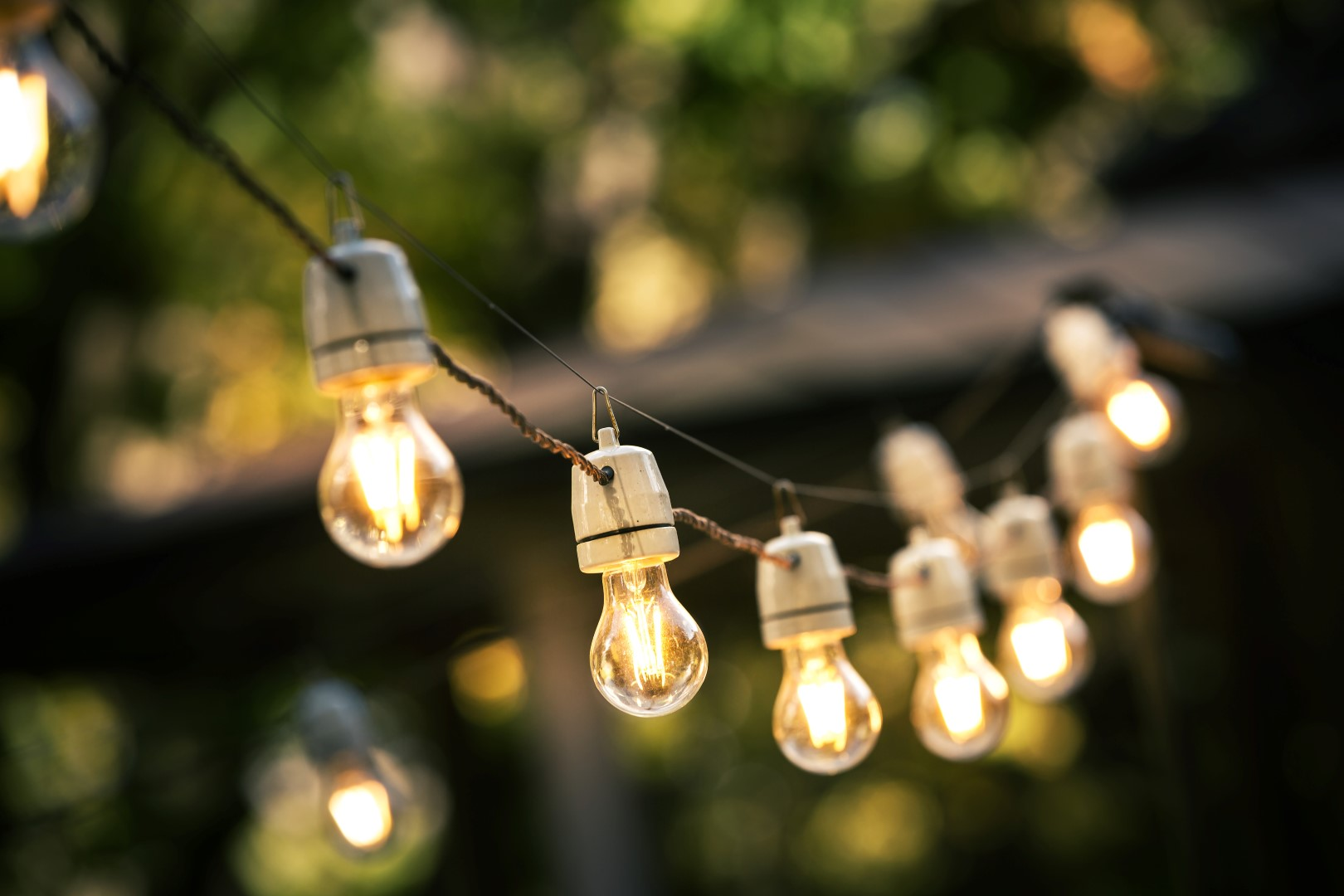 11 Creative Outdoor Lighting Ideas