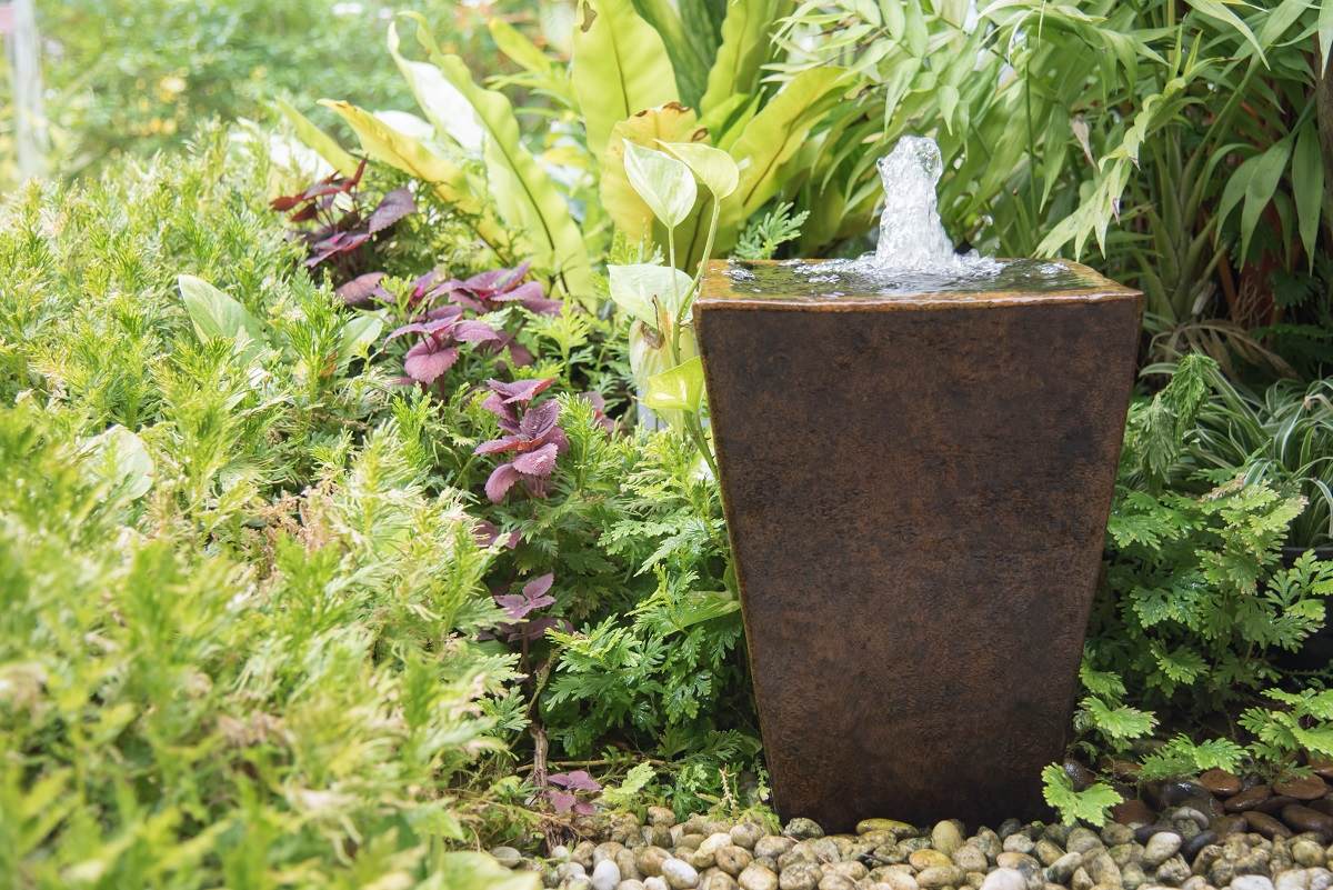 3 Beautiful DIY Fountain Projects Using Planters